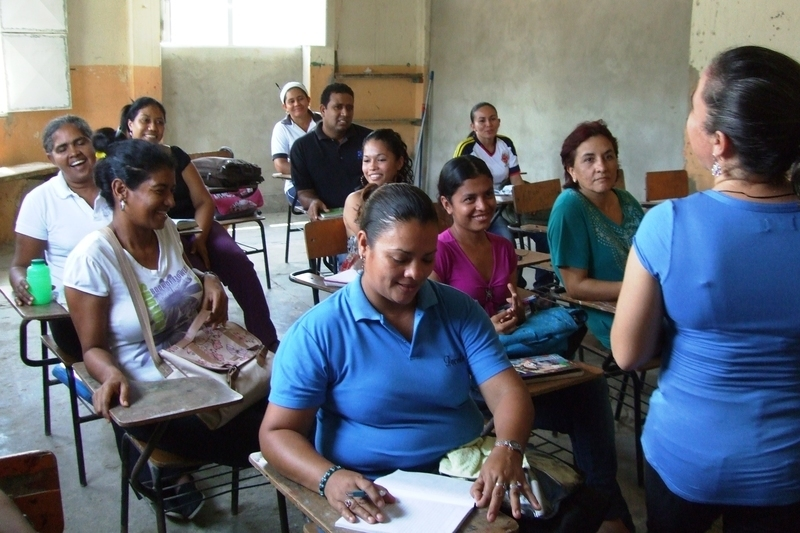 Training days for parents and teachers in Colombia