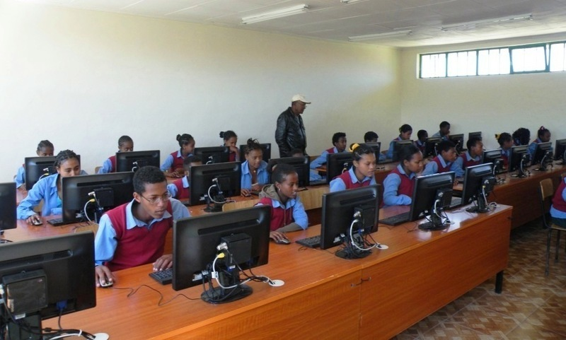 Computer lab opened at the Bethany School