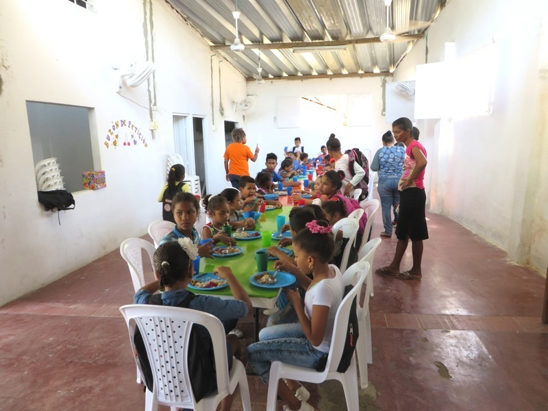 Lunch time in Guacamayal